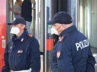 """Si rifiuta di indossare la mascherina sul treno. Ragazza """"no mask"""" sanzionata alla stazione di Eboli"""