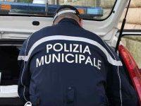 Blitz della Polizia Municipale ad Eboli. Sequestrata carrozzeria abusiva