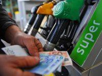 """Italiani in vacanza con il rincaro dei carburanti. Codacons:""""Si aboliscano le accise del secolo scorso"""""""