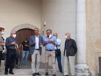 Teggiano: ricollocata la stele commemorativa del benefattore Cono Sanseverino presso la SS.Pietà