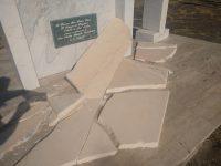 Vandali in azione a Casal Velino. Distrutto l'altare davanti alla chiesetta di San Matteo