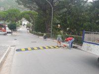 Sicurezza stradale a Monte San Giacomo. Installati dissuasori di velocità nella Villa Comunale