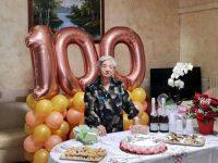 Balvano in festa per i 100 anni di nonna Carmela Solitro