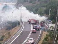 Paura ad Atena Lucana. Auto prende fuoco nei pressi dello svincolo dell'A2