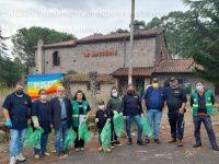 """San Rufo: degrado e rifiuti davanti a """"La Masseria"""". Associazione VOLA:""""Vogliamo adottare questo spazio"""""""