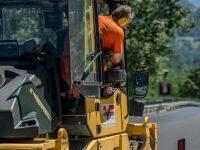 Manutenzione stradale. Sulla SP 11 a Sassano e Teggiano la Provincia consegna i lavori di pavimentazione