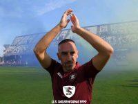 Franck Ribery è ufficialmente un giocatore della Salernitana. Delirio dei tifosi all'Arechi