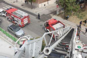 Paura a Potenza. In fiamme tetto di una scuola, intervengono i Vigili del Fuoco