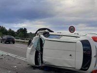 Incidente stradale lungo la Cilentana a Vallo della Lucania. Scontro tra auto, tre feriti
